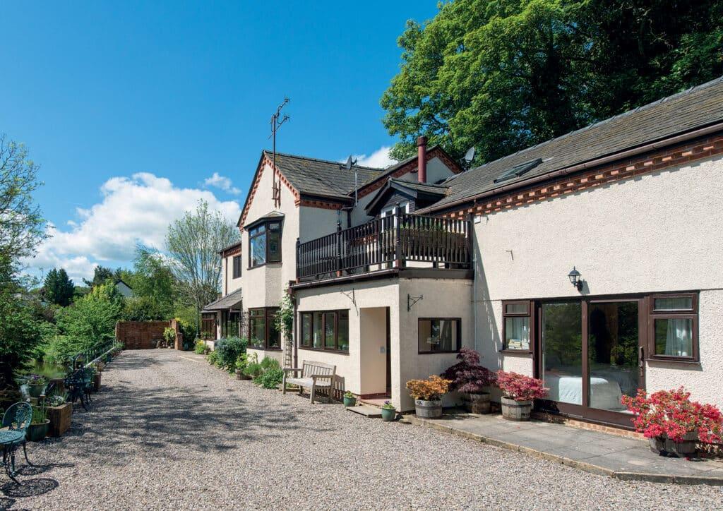 Arrowbank Lodge